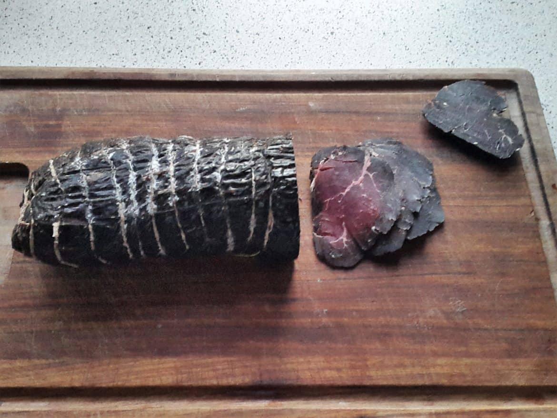 Rødvinsmarineret bresaola